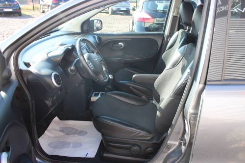 NISSAN NOTE7