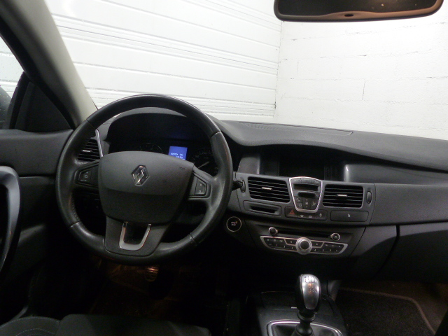 RENAULT LAGUNA COUPE 2011 à 7690 € - Photo n°8