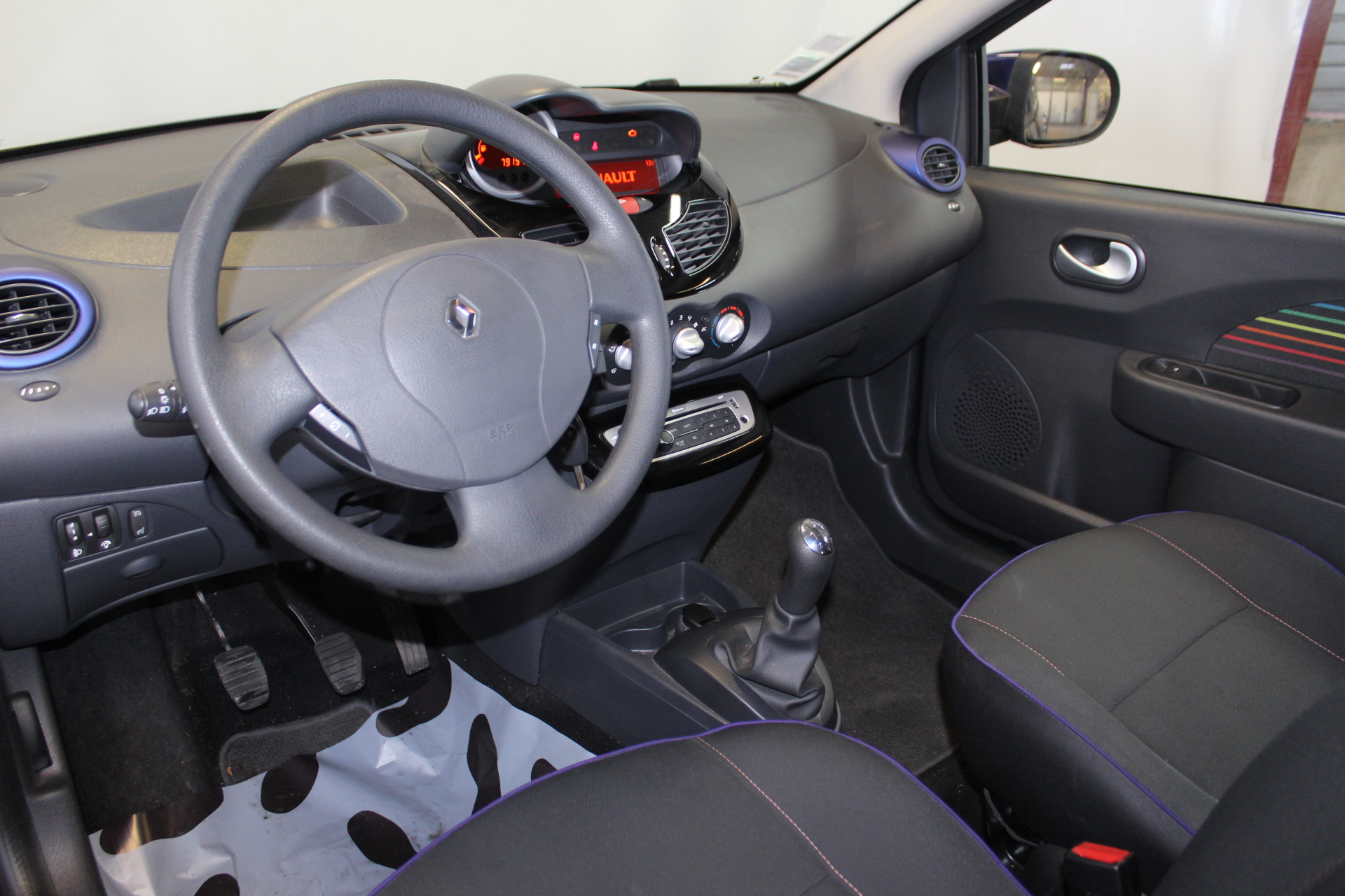 RENAULT TWINGO II 2013 à 5900 € - Photo n°17