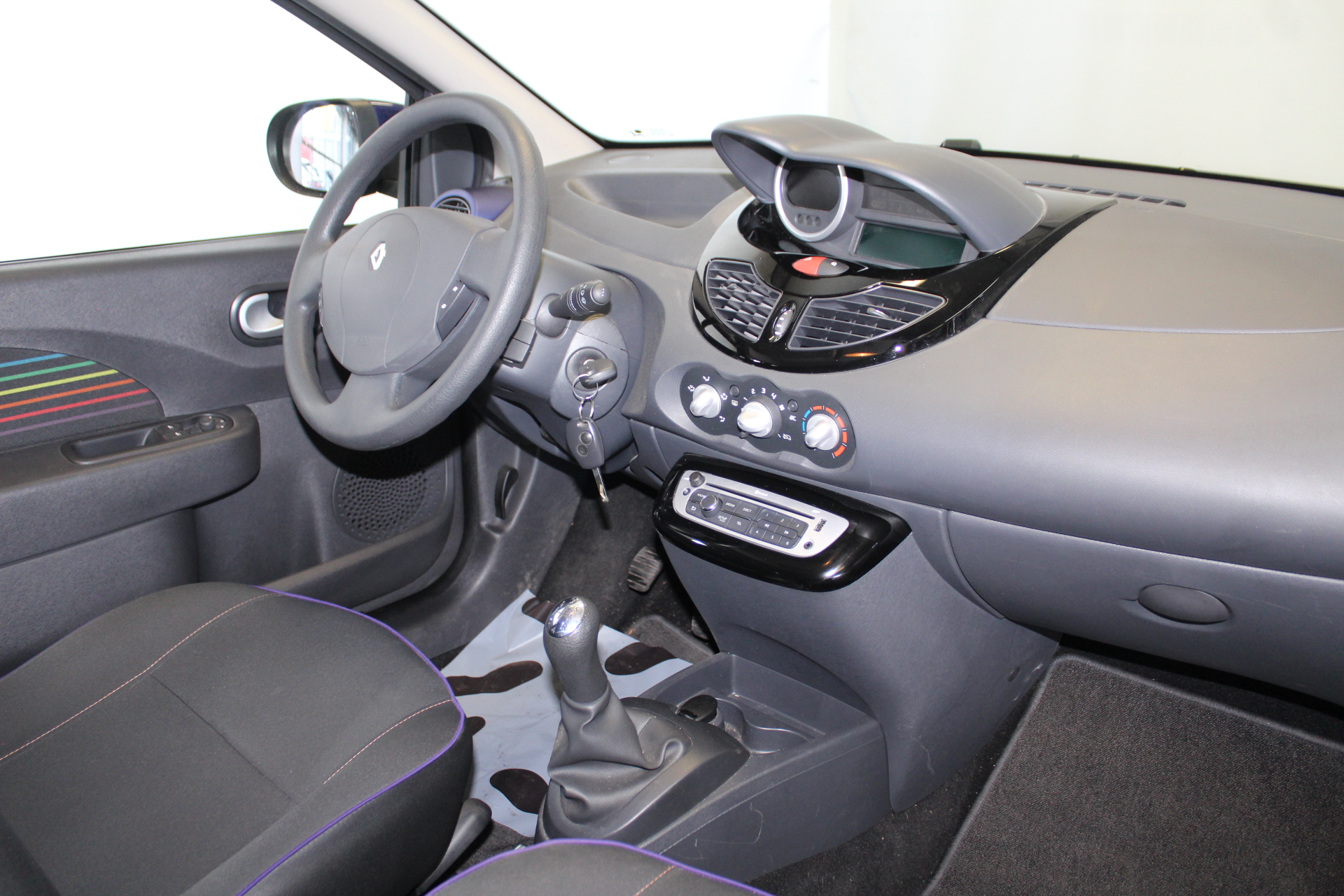 RENAULT TWINGO II 2013 à 5900 € - Photo n°5