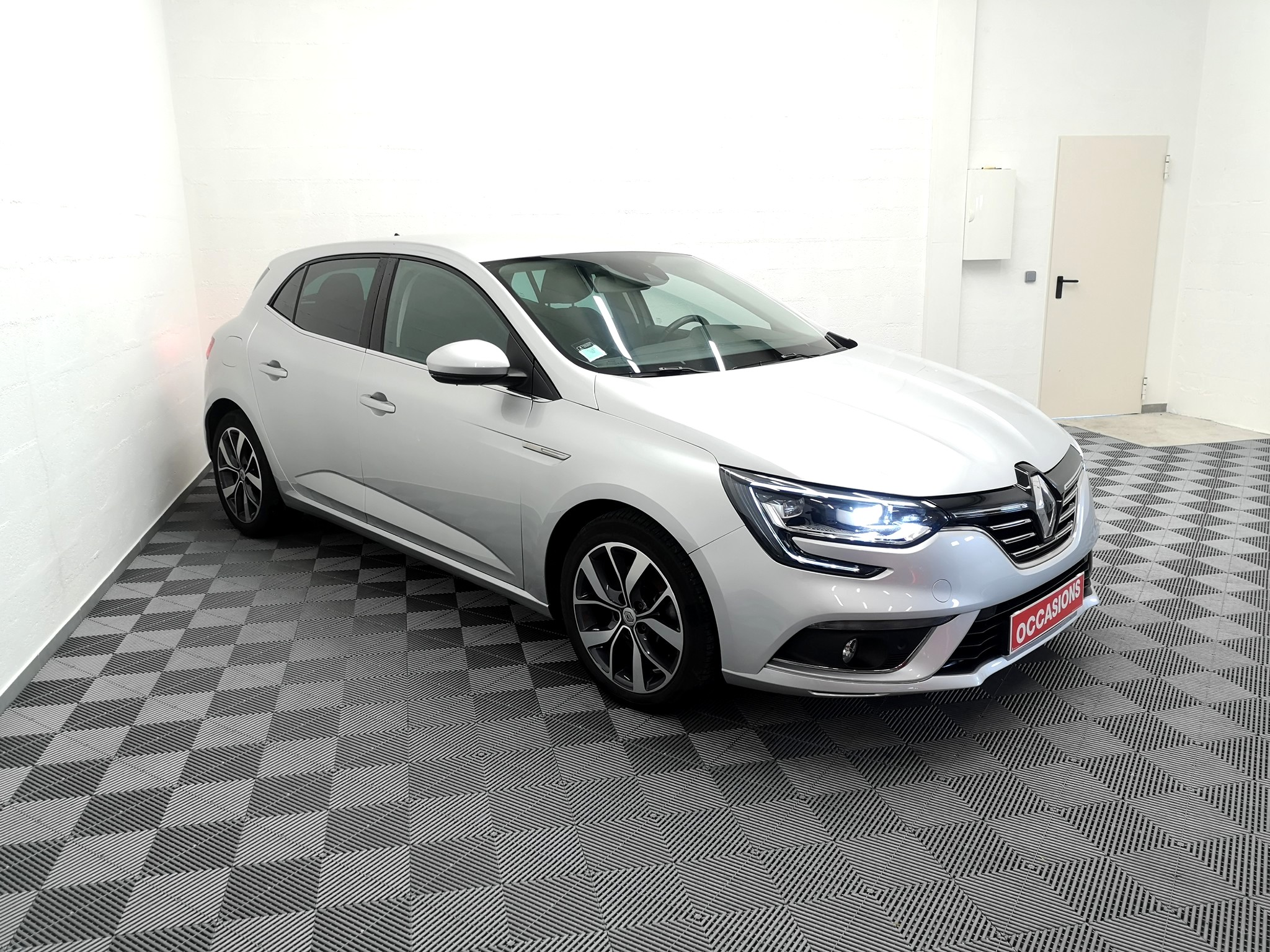 RENAULT MEGANE IV BERLINE 2016 à 14900 € - Photo n°2