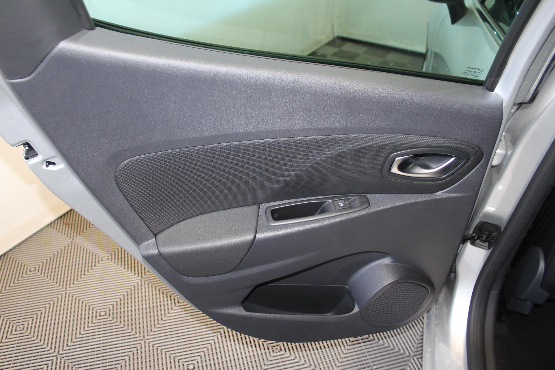 RENAULT CLIO IV 2019 à 13900 € - Photo n°61