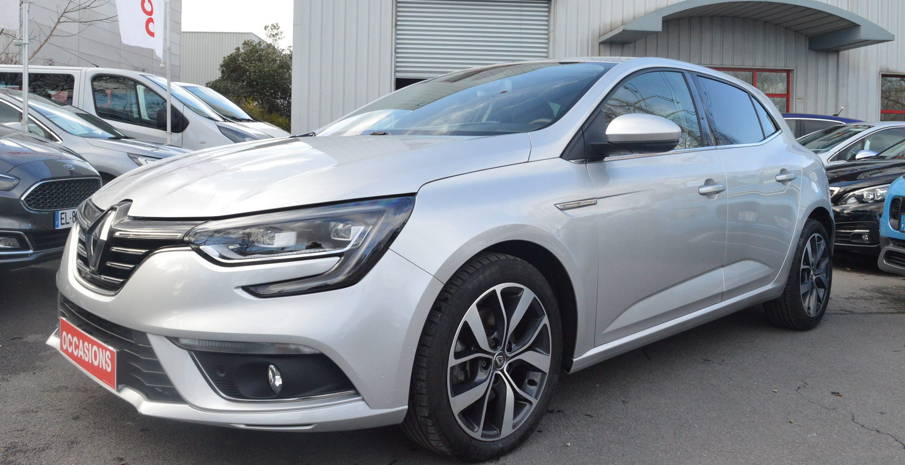 RENAULT MEGANE IV BERLINE 2016 à 15600 € - Photo n°1