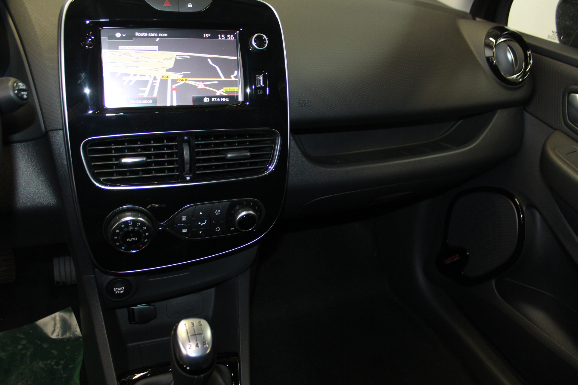 RENAULT CLIO IV 2019 à 13900 € - Photo n°7