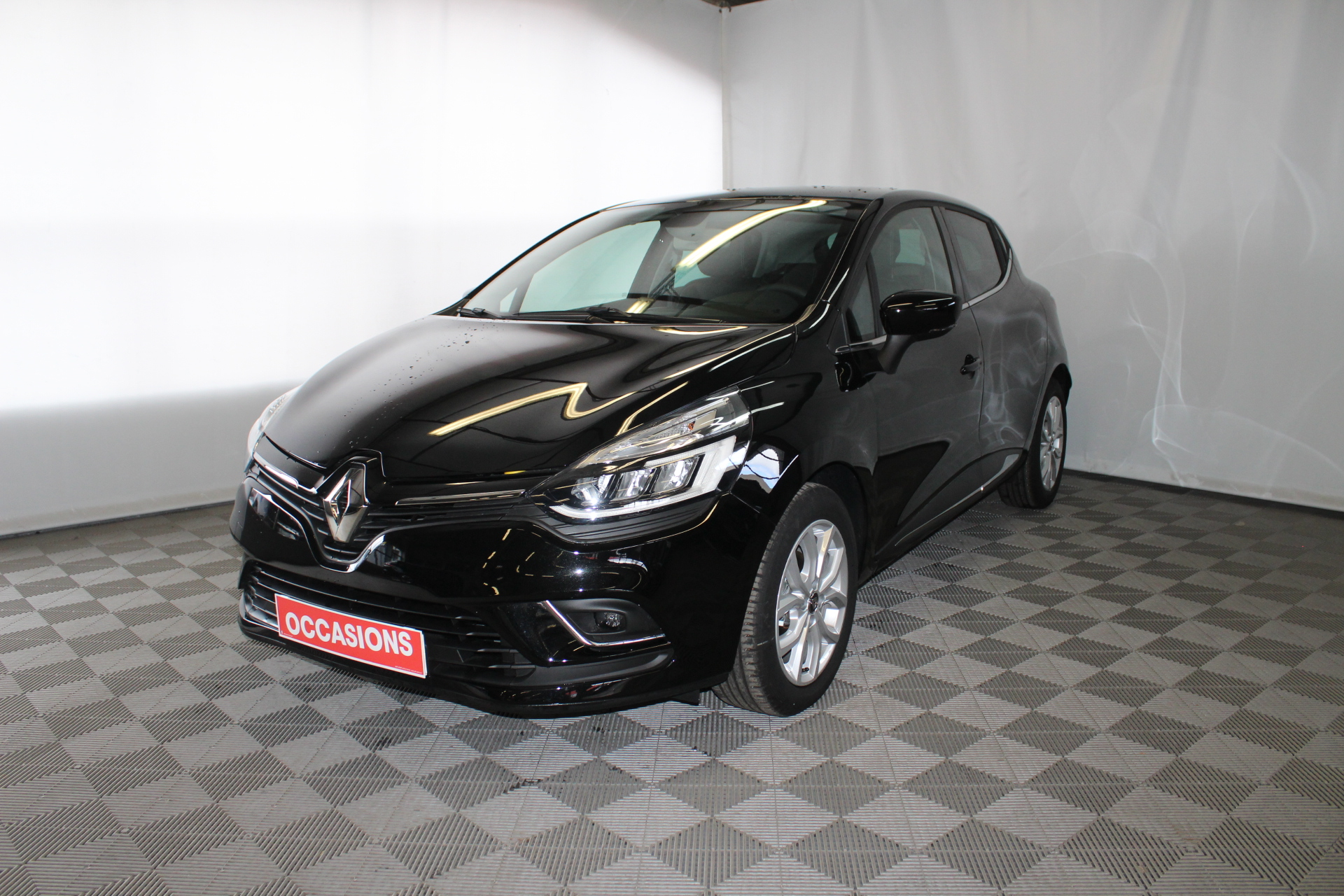 RENAULT CLIO IV 2019 à 13900 € - Photo n°1