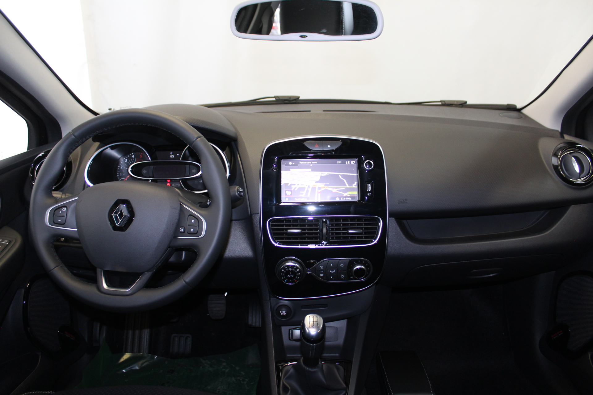 RENAULT CLIO IV 2019 à 13900 € - Photo n°13
