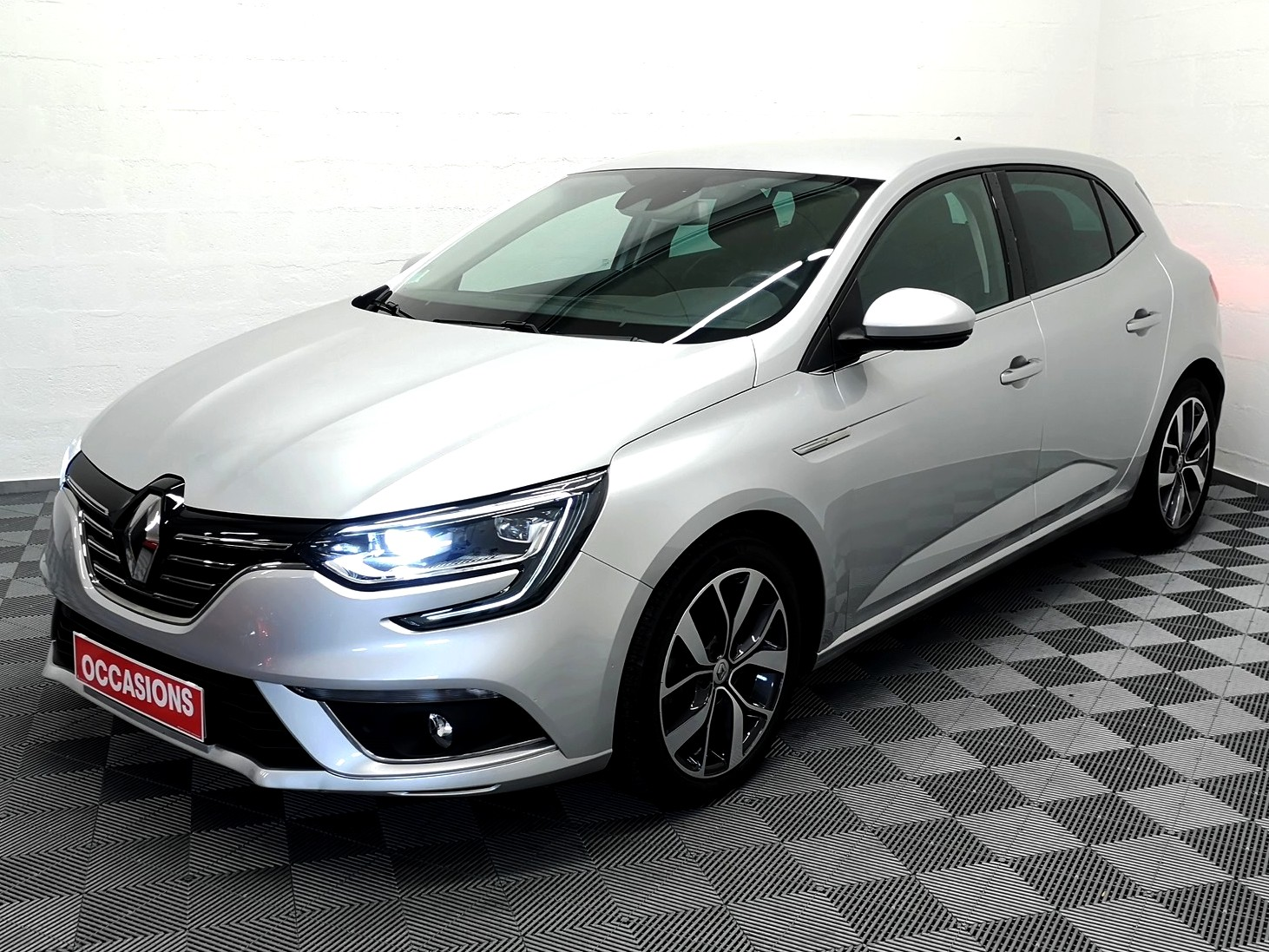 RENAULT MEGANE IV BERLINE 2016 à 14900 € - Photo n°1