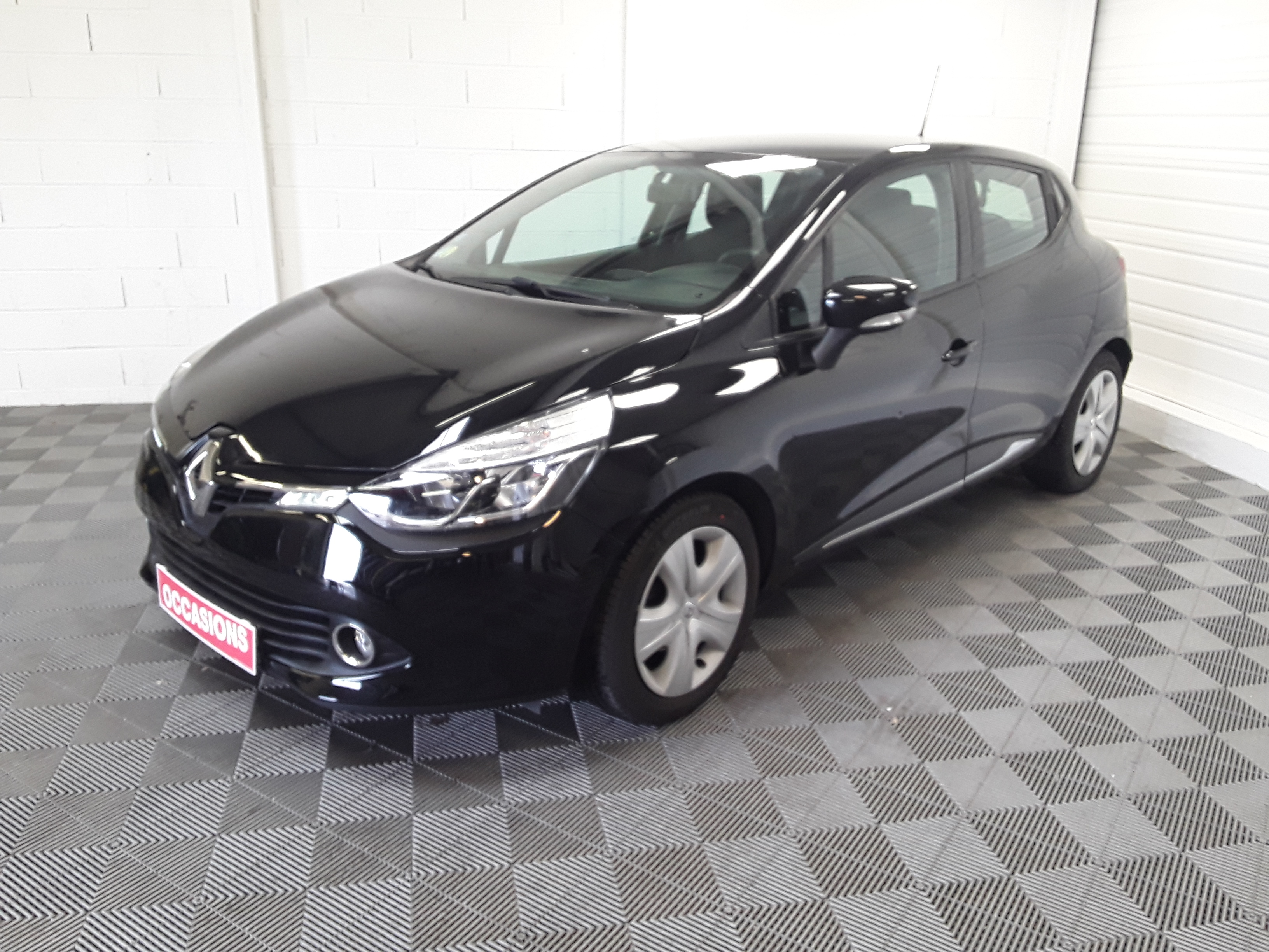 RENAULT CLIO IV BUSINESS dCi 90 Energy eco2 Business 82g d'occasion