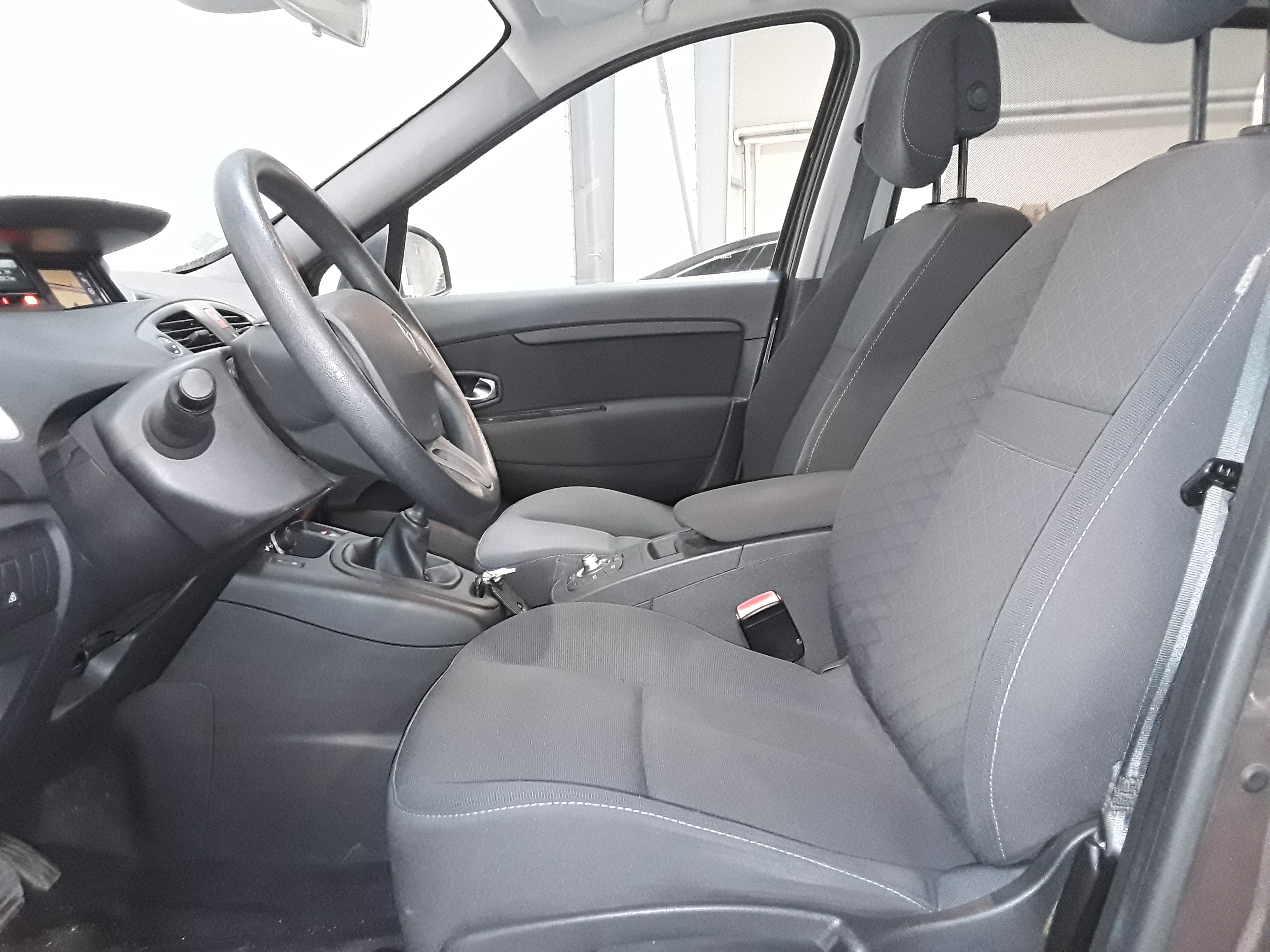 RENAULT GRAND SCENIC 2010 à 7490 € - Photo n°7