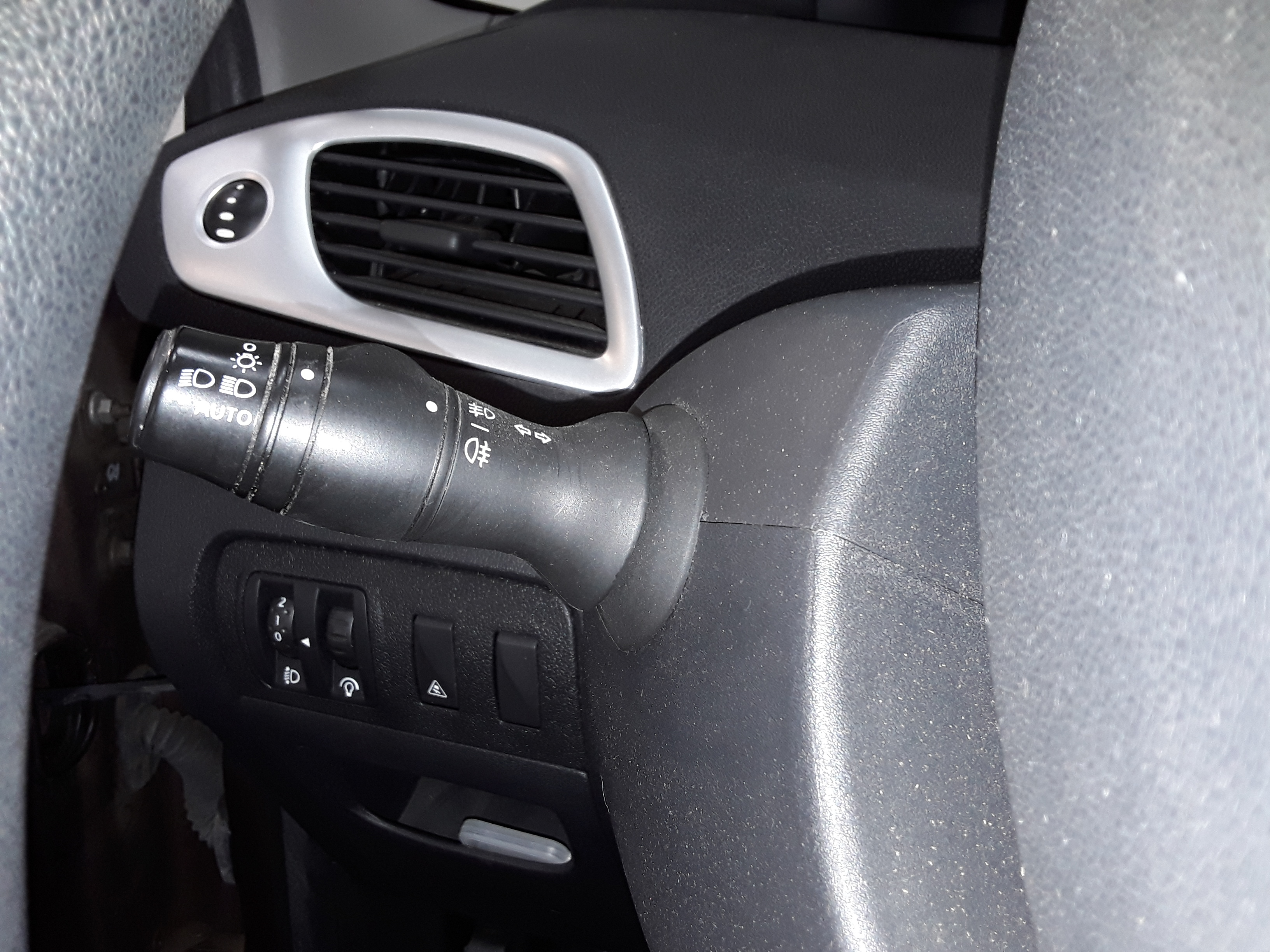 RENAULT GRAND SCENIC 2010 à 7490 € - Photo n°15