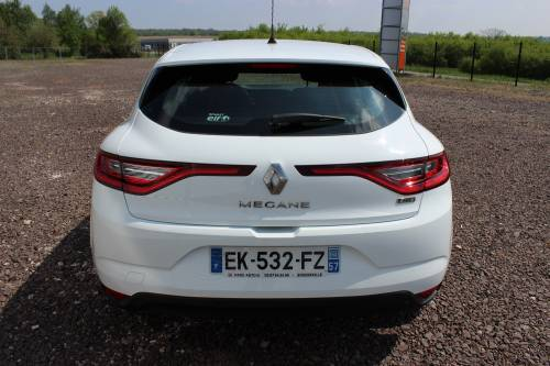 RENAULT MEGANE IV BERLINE BUSINESS3