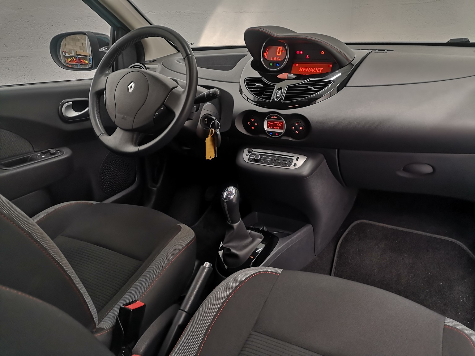 RENAULT TWINGO II 2013 à 6490 € - Photo n°31