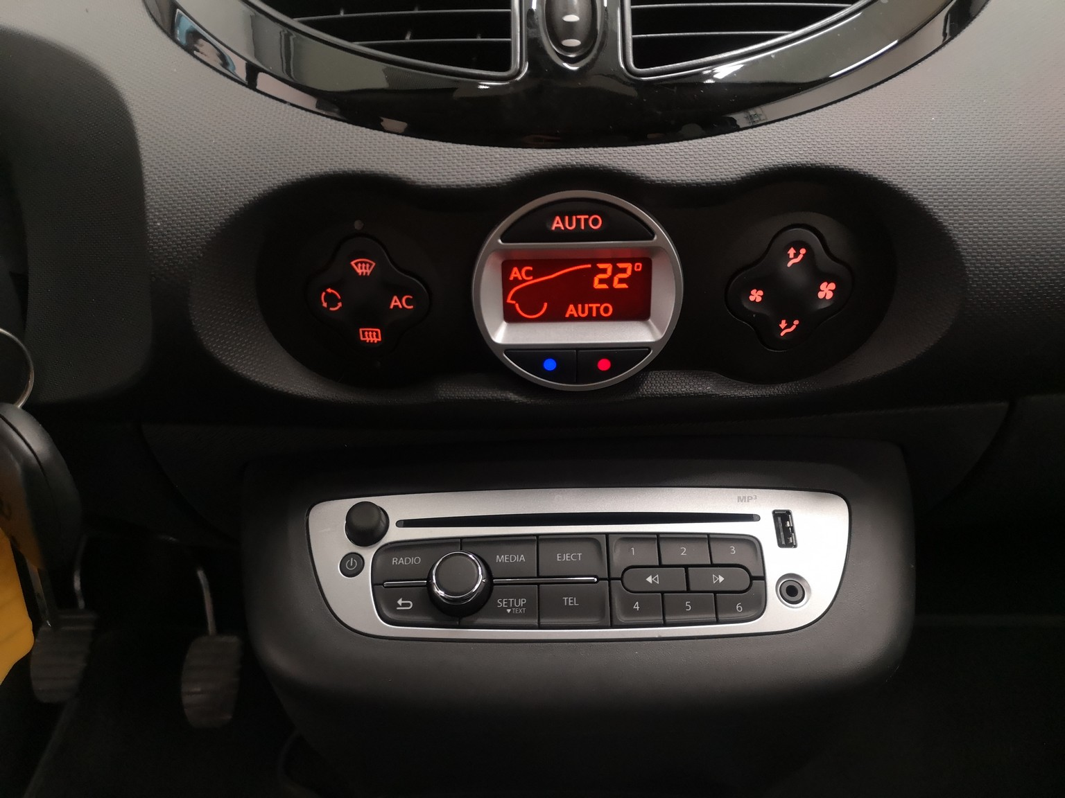 RENAULT TWINGO II 2013 à 6490 € - Photo n°55
