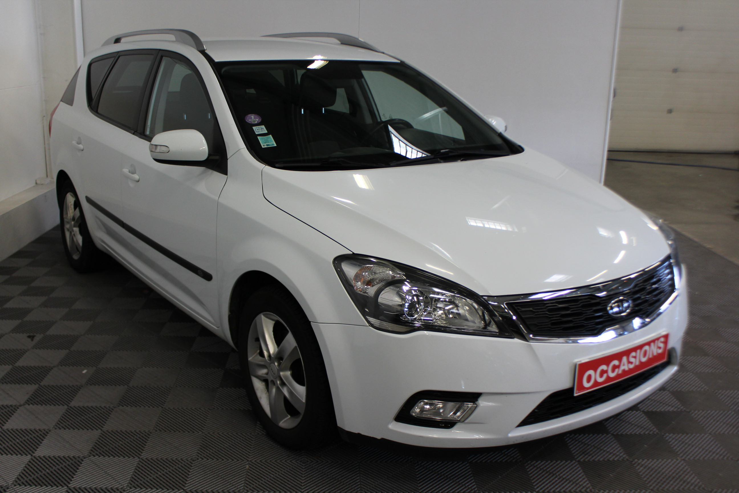 KIA CEE'D SW 2011 à 5400 € - Photo n°3