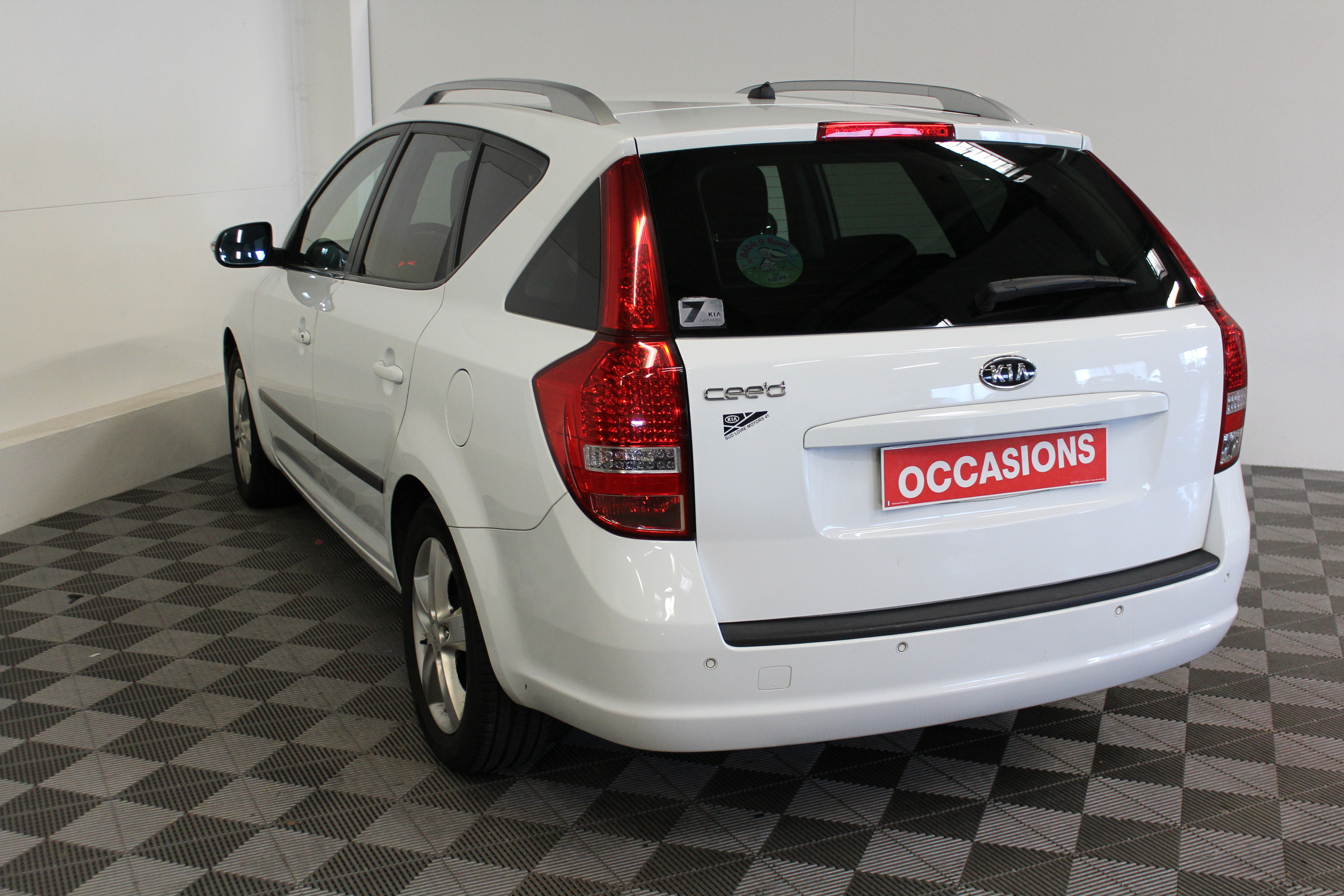 KIA CEE'D SW 2011 à 5400 € - Photo n°5