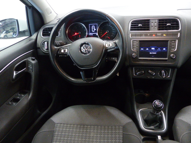 VOLKSWAGEN POLO 2017 à 11400 € - Photo n°8