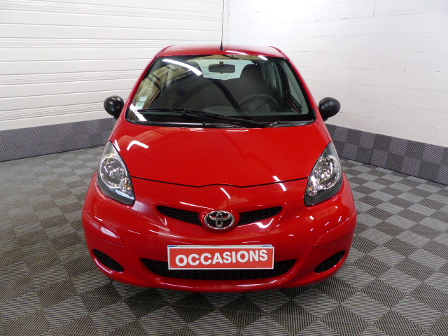 TOYOTA AYGO 2011 à 5490 € - Photo n°2