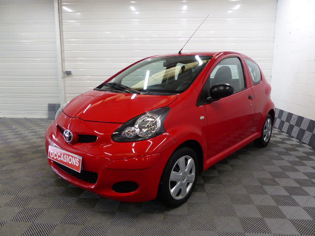 TOYOTA AYGO 2011 à 5490 € - Photo n°1