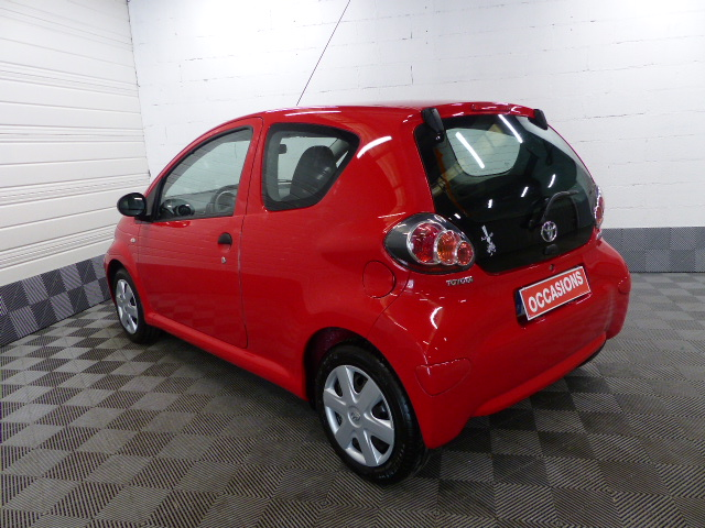 TOYOTA AYGO 2011 à 5490 € - Photo n°5