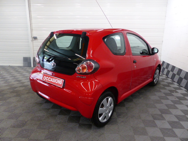 TOYOTA AYGO 2011 à 5490 € - Photo n°4