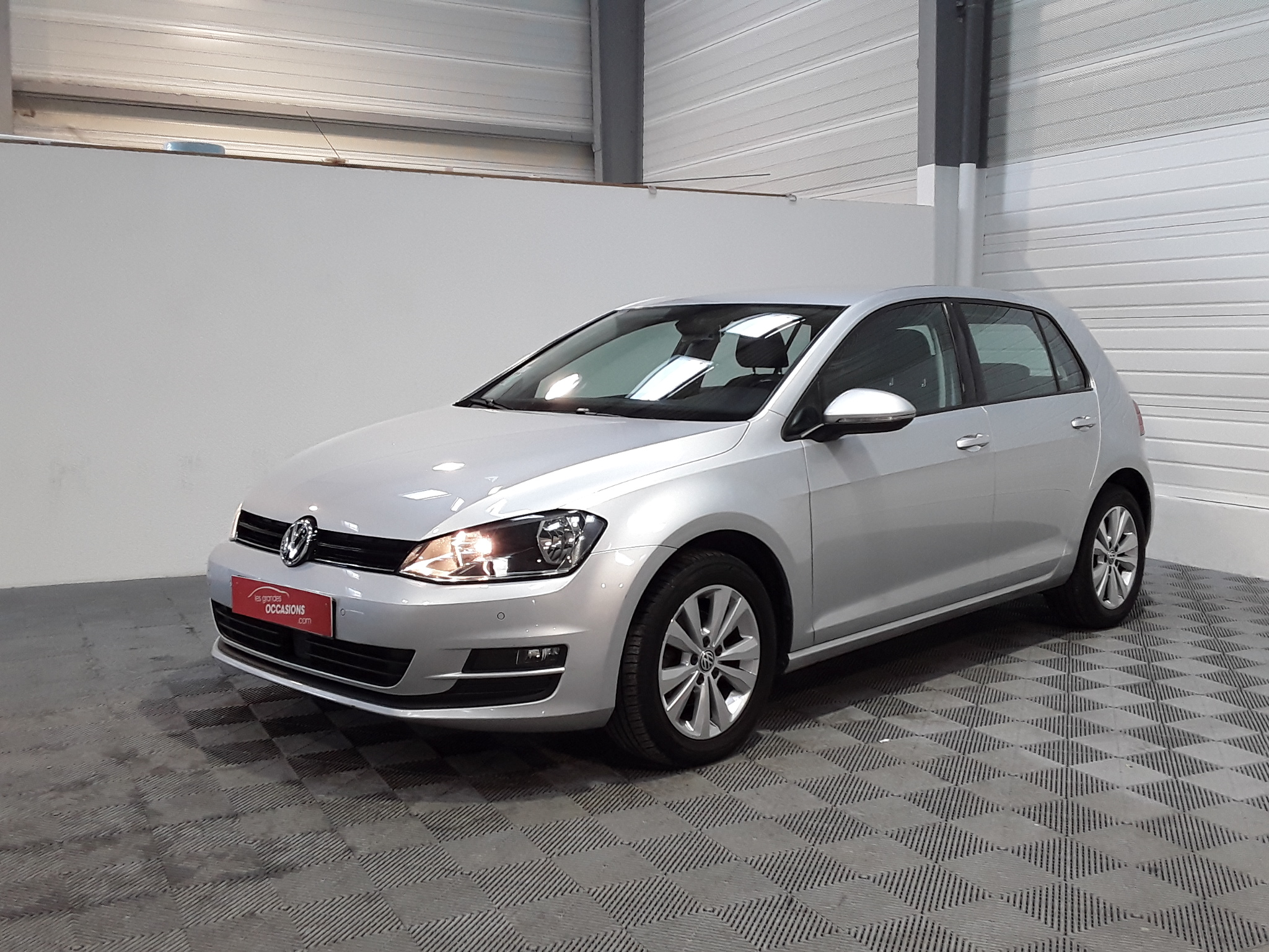 Volkswagen GOLF BUSINESS 1.6 TDI 105 BlueMotion Technology FAP Confortline Business d'occasion