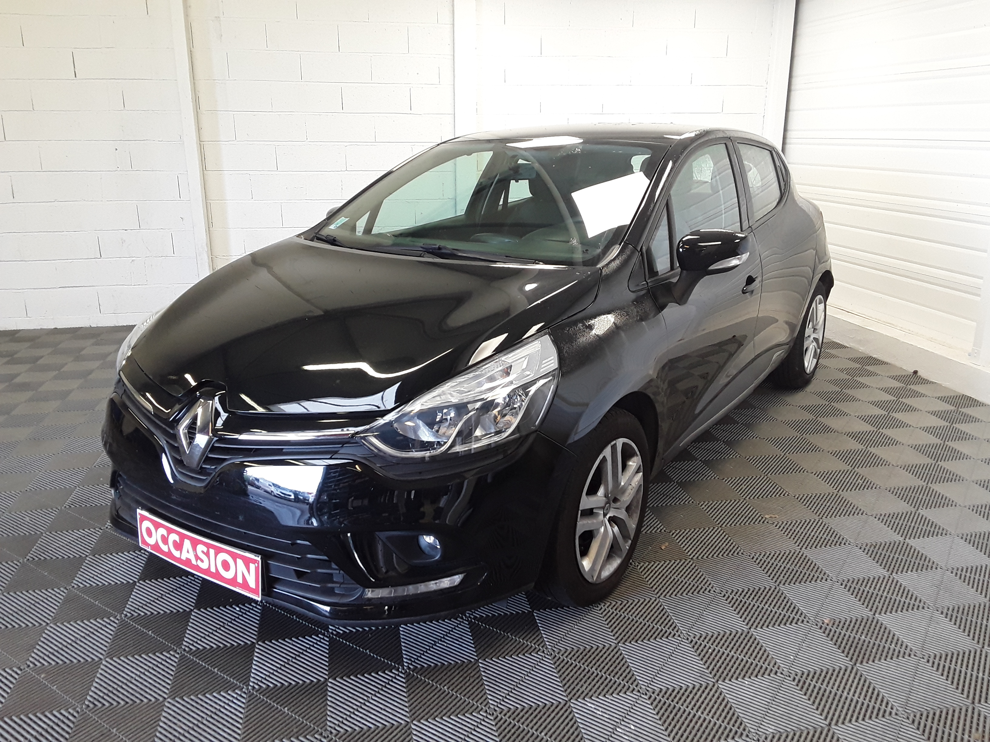 RENAULT CLIO IV BUSINESS dCi 75 Business d'occasion