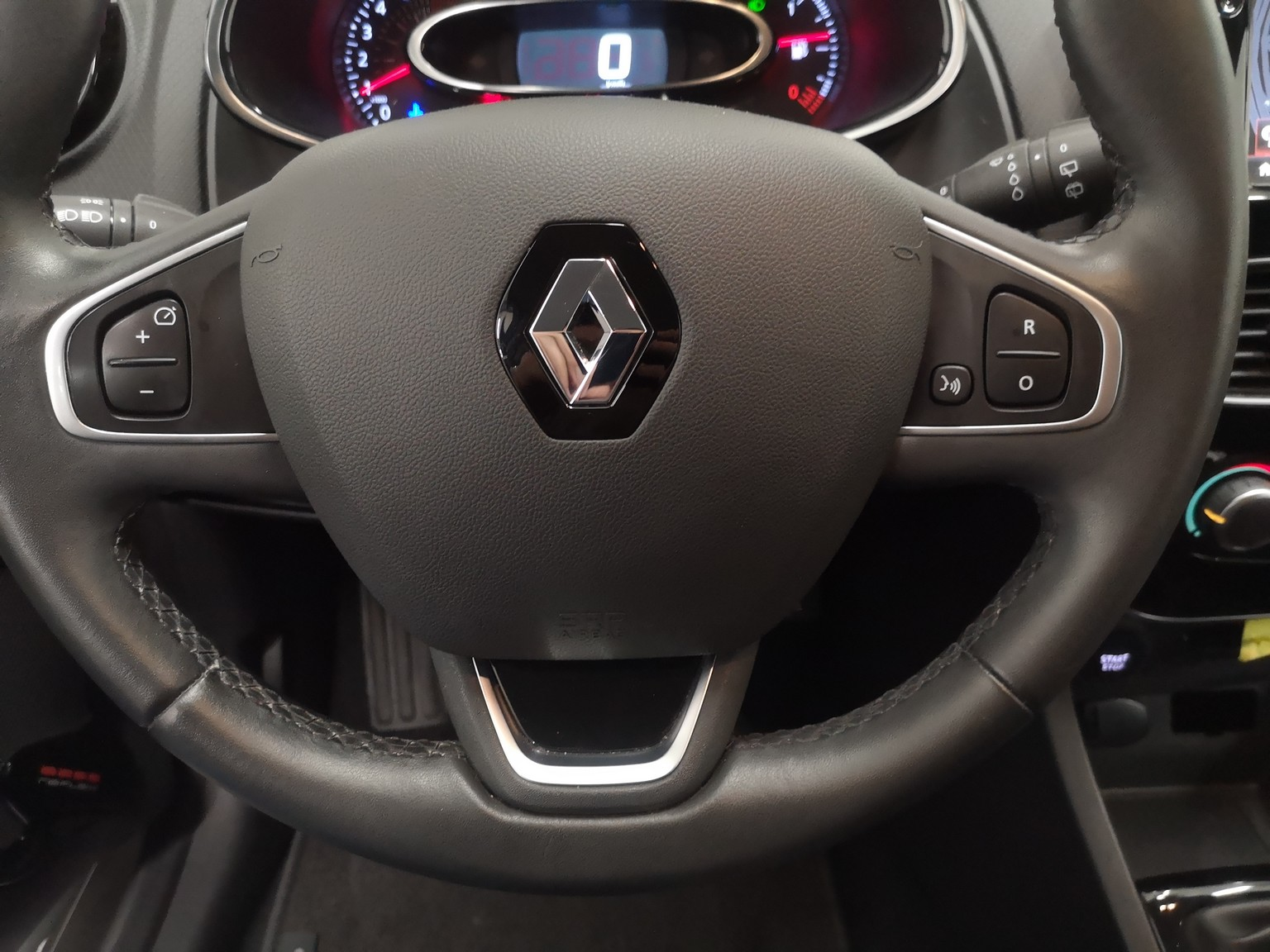 RENAULT CLIO IV BUSINESS 2017 à 9500 € - Photo n°13