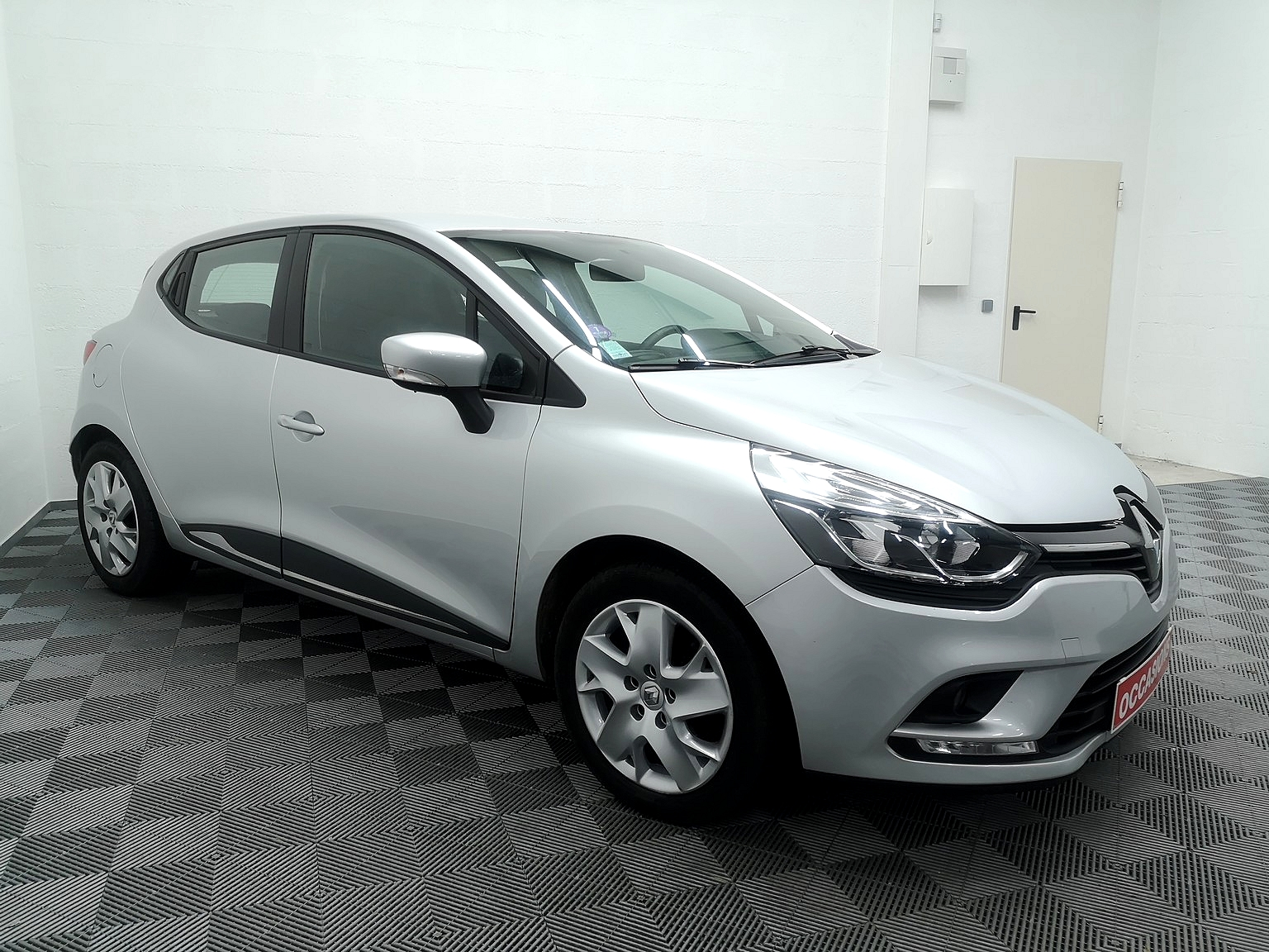 RENAULT CLIO IV BUSINESS 2017 à 9500 € - Photo n°2