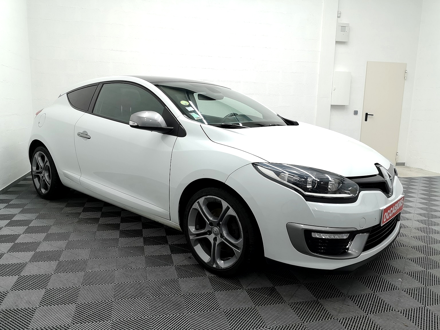 RENAULT MEGANE III COUPE 2015 à 9990 € - Photo n°2