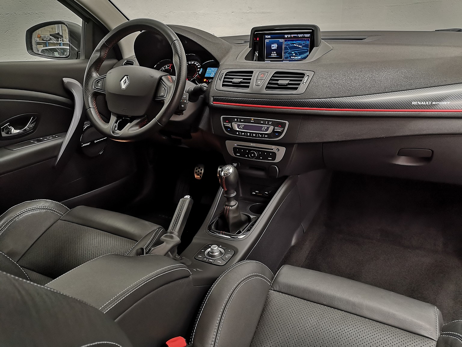 RENAULT MEGANE III COUPE 2015 à 9990 € - Photo n°6