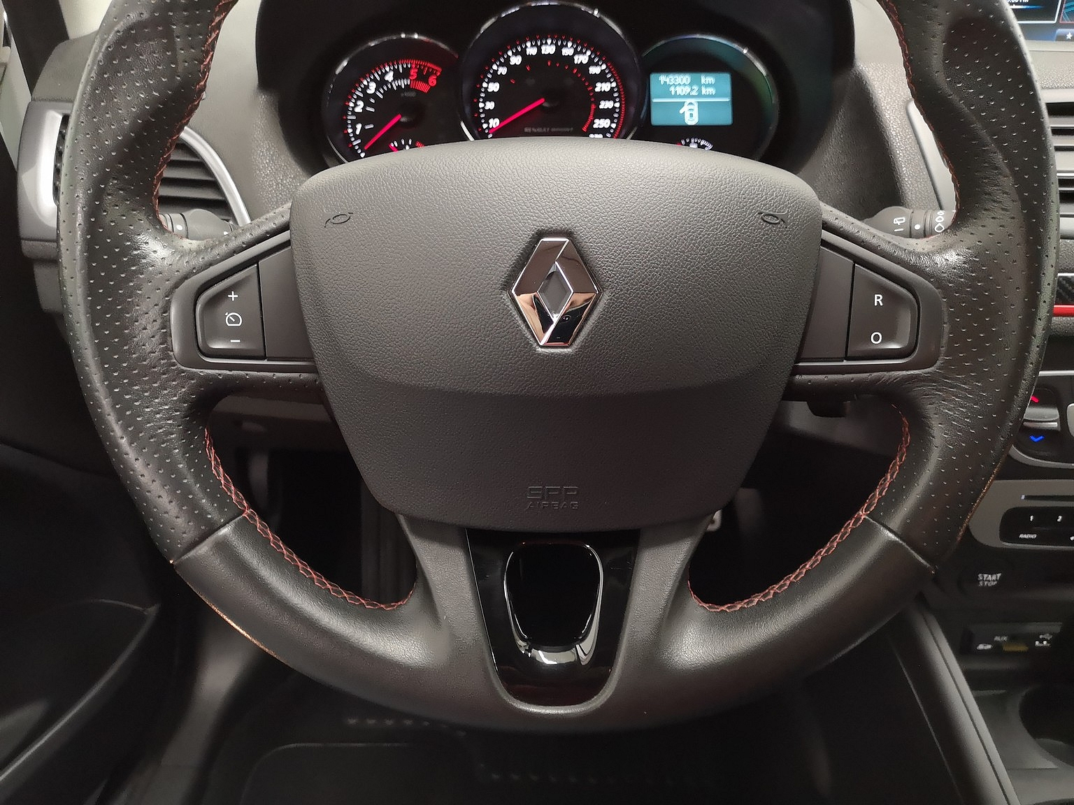RENAULT MEGANE III COUPE 2015 à 9990 € - Photo n°12