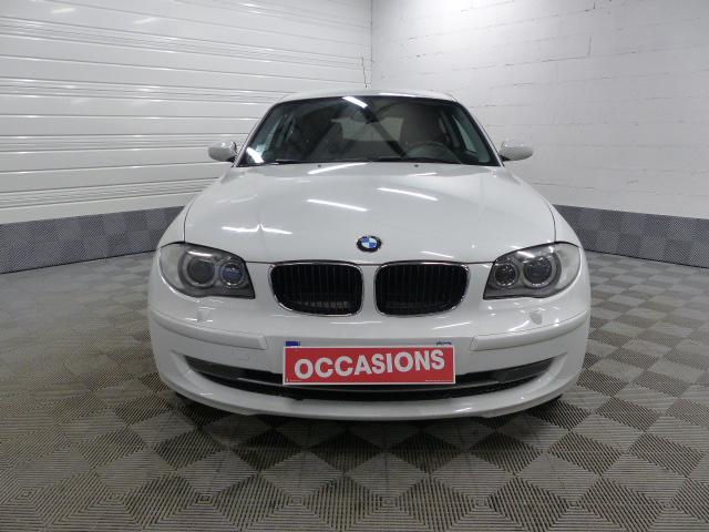 BMW SERIE 1 E81 2008 - Photo n°2