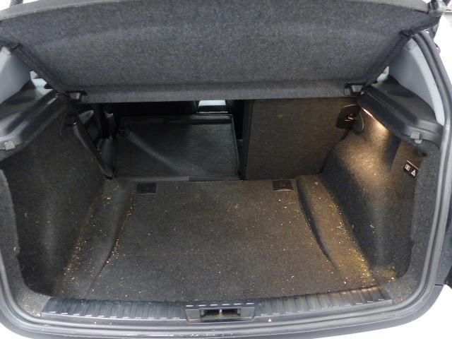 BMW SERIE 1 E81 2008 - Photo n°6
