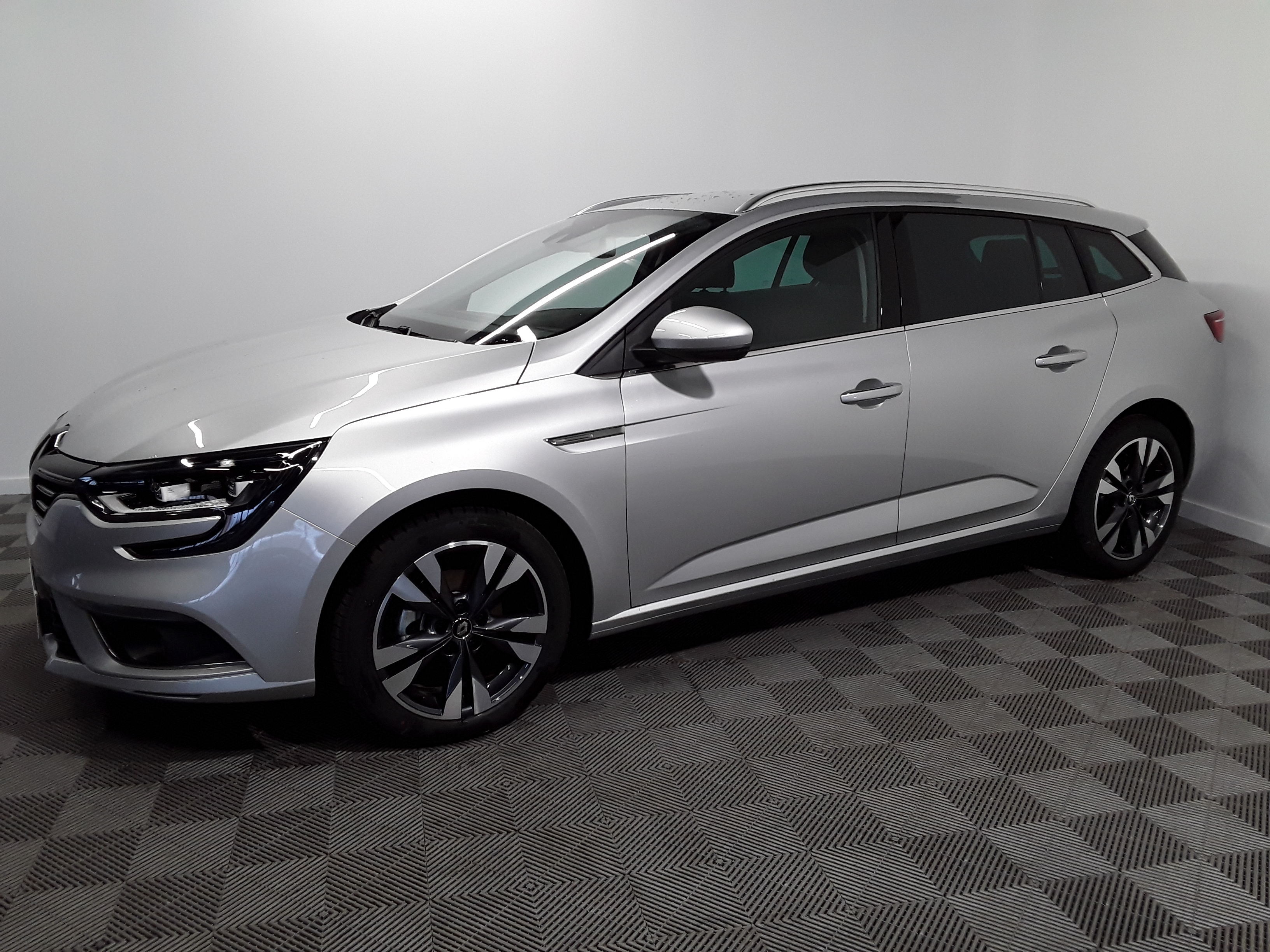 RENAULT MEGANE IV ESTATE