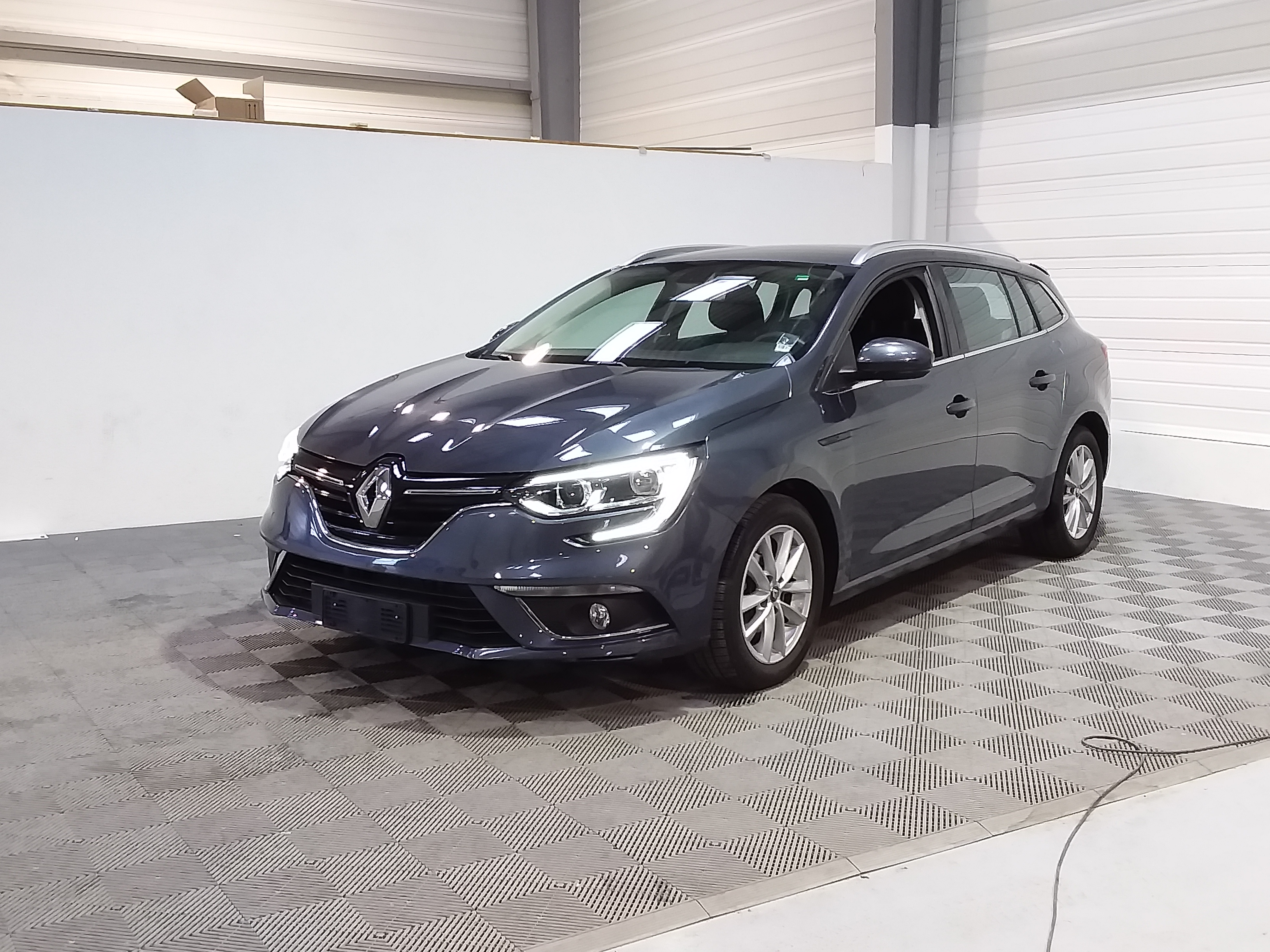 RENAULT MEGANE IV ESTATE BUSINESS