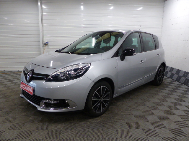 RENAULT SCENIC III dCi 110 Energy FAP eco2 Bose d'occasion