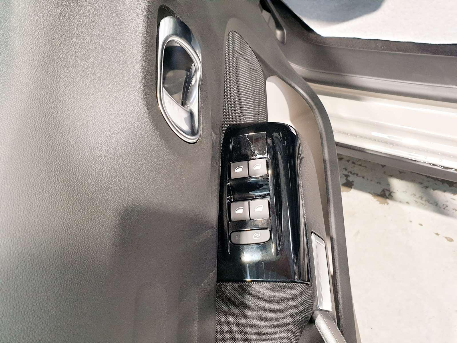 Miniature CITROEN C3 PureTech 82 S&S BVM5 Shine CAMERA