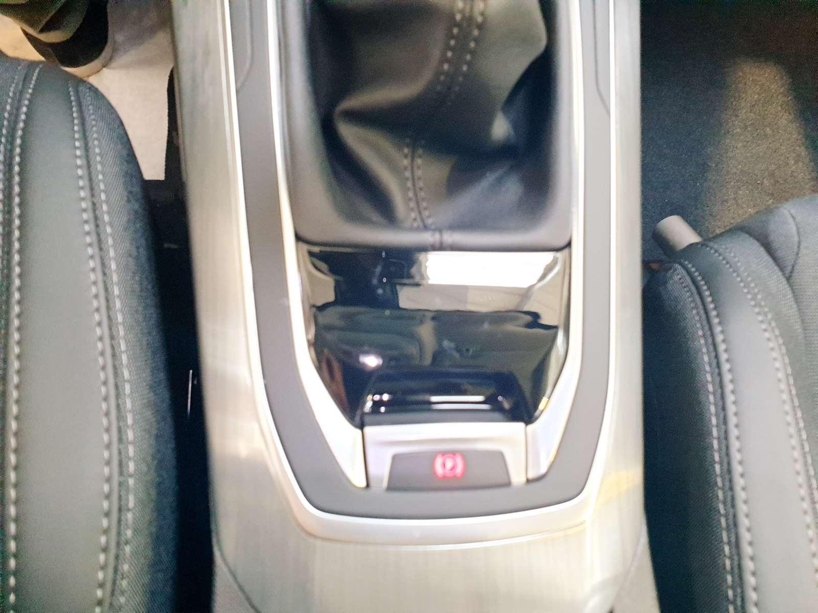 Miniature PEUGEOT 308 PureTech 130 S&S BVM6 Allure