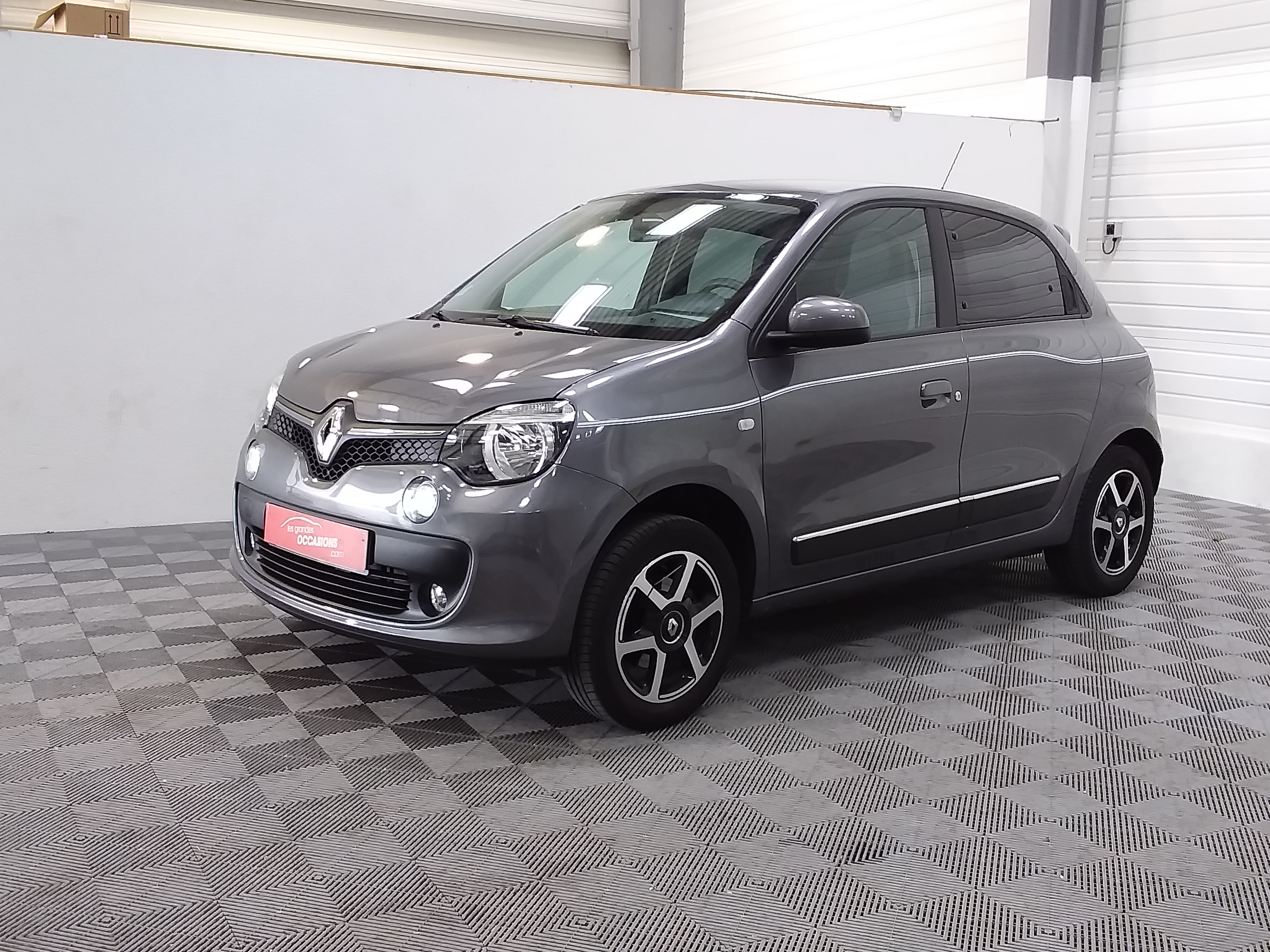 RENAULT TWINGO III 0.9 TCe 90 Energy E6C Intens d'occasion