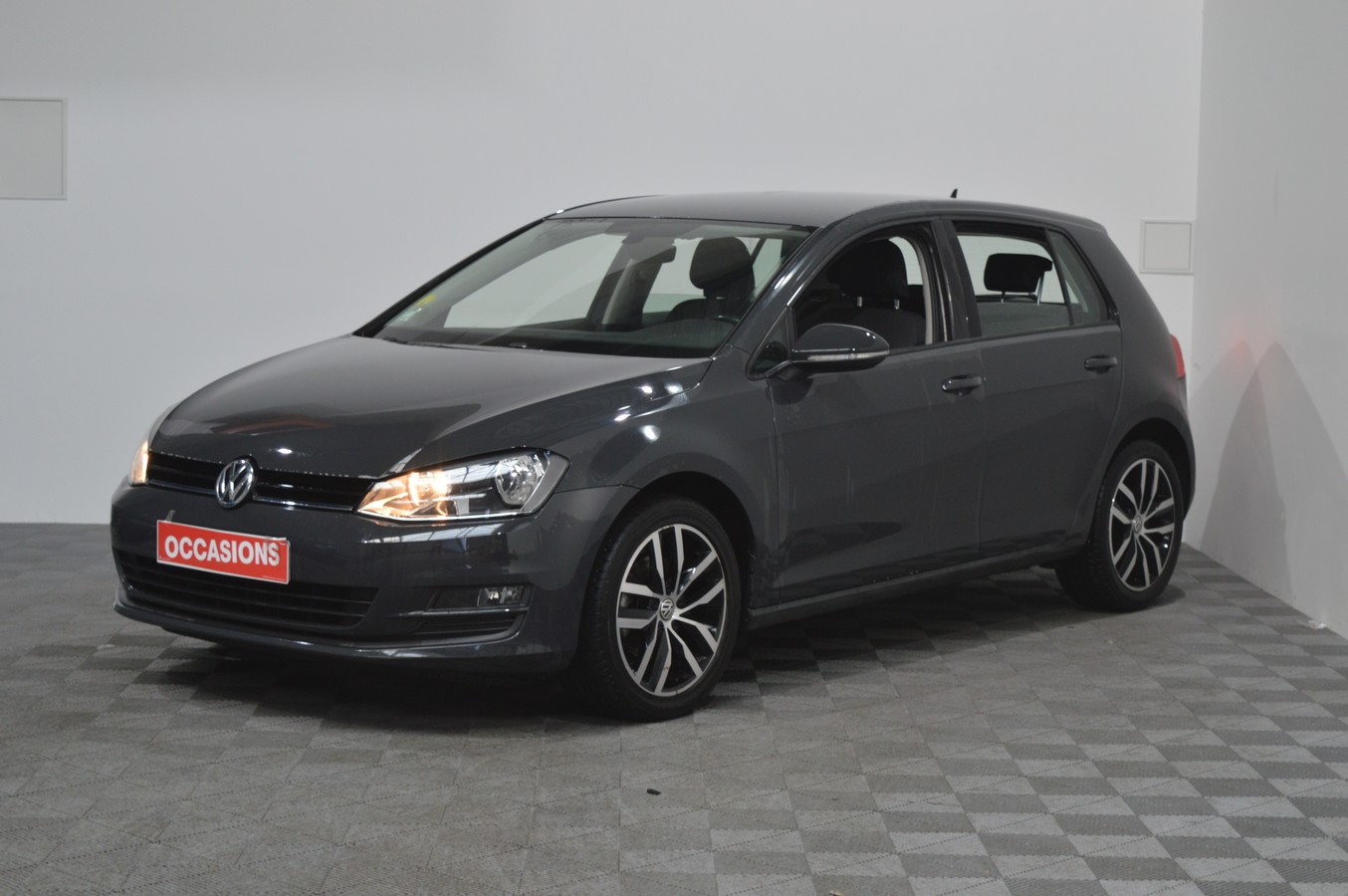 VOLKSWAGEN GOLF VII 1.6 TDI 110CH BLUEMOTION TECHNOLOGY FAP CONFORTLINE 5P d'occasion