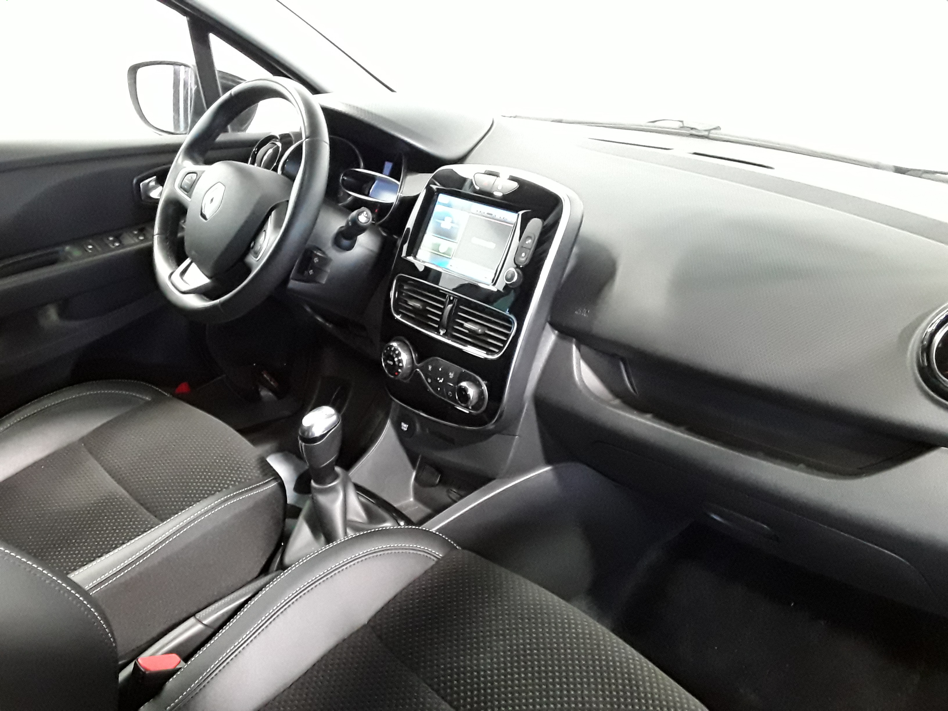 RENAULT CLIO IV 2018 à 12400 € - Photo n°5