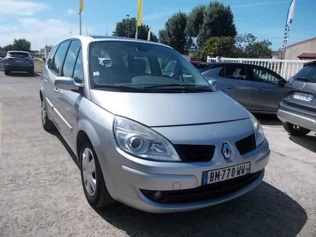 RENAULT GRAND SCENIC II - 1.9 dCi 130 FAP Expression 5 pl