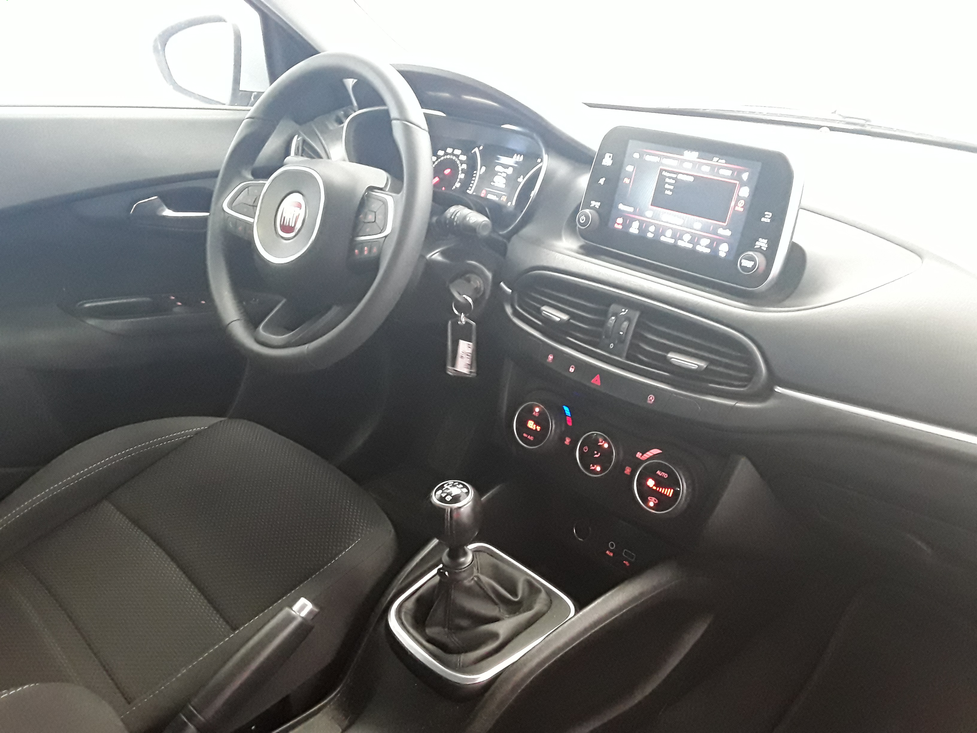 FIAT TIPO 5 PORTES BUSINESS 2017 - Photo n°7