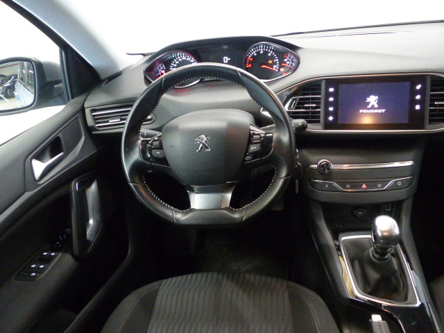 PEUGEOT 308 SW BUSINESS 2015 - Photo n°8