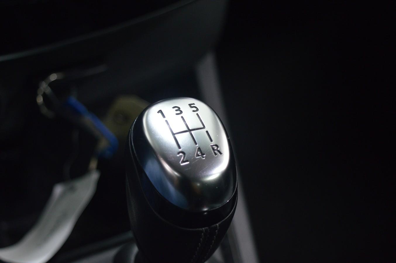 RENAULT CLIO IV ESTATE 2017 - Photo n°10