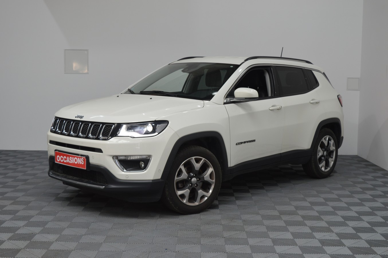 JEEP COMPASS 1.4 I MultiAir II 140 ch BVM6 Limited d'occasion