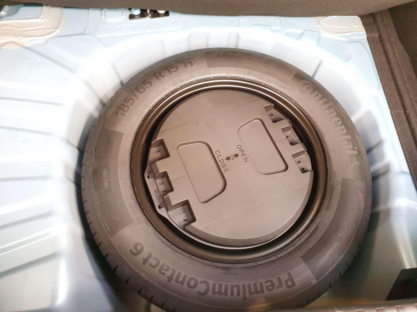 Miniature RENAULT CLIO V TCe 100 Zen NEUVE