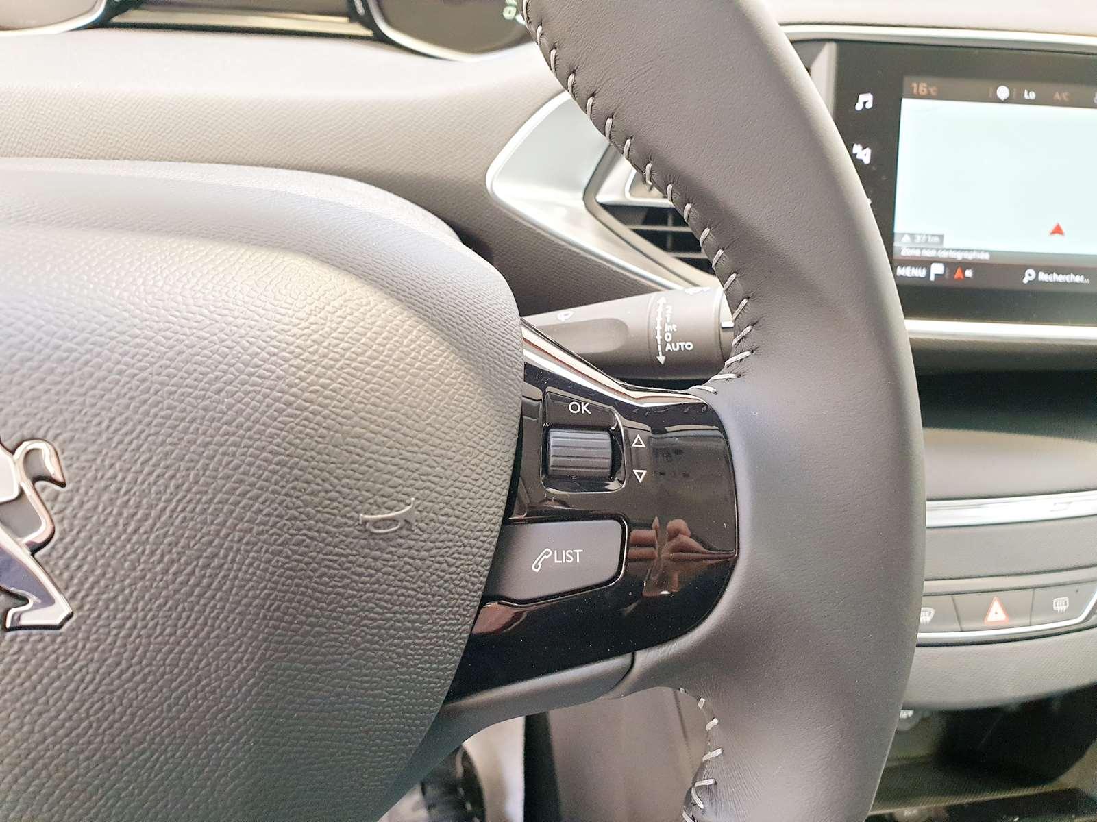Miniature PEUGEOT 308 PureTech 130 Active GPS