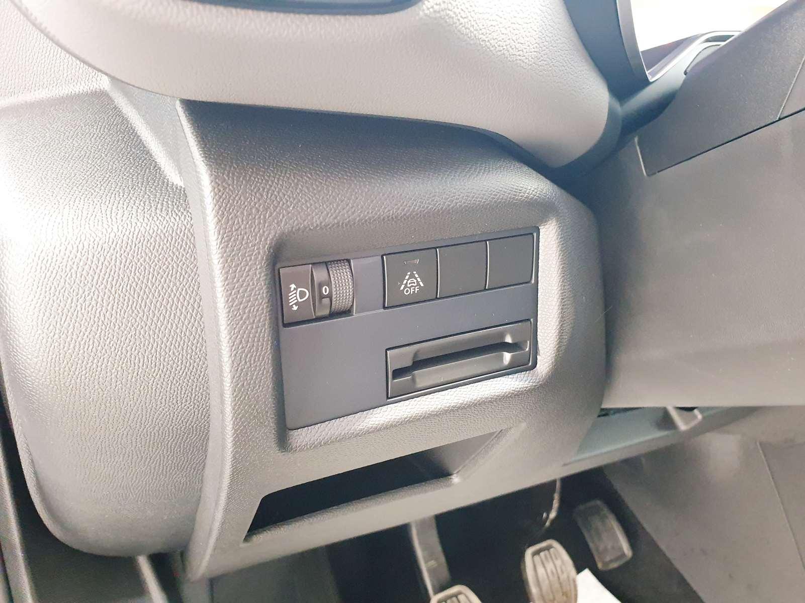 Miniature CITROEN C5 AIRCROSS PureTech 130 S&S BVM6 Feel