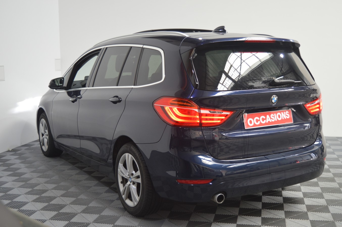 BMW SERIE 2 GRAN TOURER F46 2016 - Photo n°4